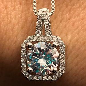 Jewelry - NWOT Simulated Diamond Pendant Halo Cubic Zirconia